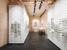 High-quality designer glasses from 145 EUR. ▶ Visit us or book a free eye exam. Space Truss, Oversize Look, Eyewear Shop, Optical Shop, Optician, Minimalist Interior, Retail Design, Store Design, Interior Design