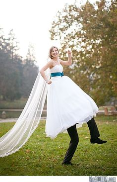hahaha! I don't know if you are going to have a photographer at your wedding, Aubree, but this would be pretty funny!
