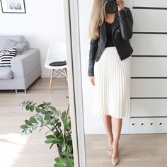 Dzień dobry! Szykuje się piękna niedziela, a ja od 7 na nogach i korzystam 🙌🏼 W planach jeszcze spacer i może mała wycieczka. Jak Wasz… Office Fashion, Work Fashion, Modern Fashion, Fashion Outfits, Office Outfits Women, Summer Outfits Women, Night Out Outfit, My Outfit, Classy Business Outfits