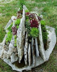 Awesome 75 Stunning Rock Garden Landscaping Design Ideas https://crowdecor.com/75-stunning-rock-garden-landscaping-design-ideas/