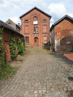 Domaine clos avec maison et 5 pour la rénovation des bâtimen...