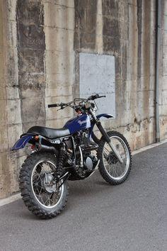 Yamaha TT 500 costum by BratStyle Tracker Motorcycle, Motorcycle Dirt Bike, Moto Bike, Vintage Motocross, Vintage Motorcycles, Xt 600 Scrambler, Bike Rider, Dirtbikes, Street Bikes