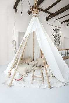 Pins, Needles & Fashion: INSPIRATION HOME: INDOOR TEEPEE