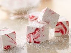 Easy Peppermint Marshmallows (add gourmet hot chocolate for the perfect Christmas gift)