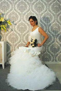Tienda de vestidos de novia en Ciudad Real Hecate novias vestidos de novia flamenca, modelos únicos creados por nuestro estilista y diseñador Antonio-