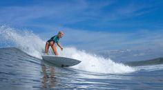 Bali - ein Mekka für Wellenreiter! Wer auf Bali surfen will, wird mit die Insel mit unseren Top Tipps von ihrer schönsten Seite kennenlernen.