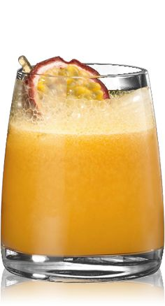 Pasión Latina.  2 parts BACARDI Superior rum  3 strokes of peach bitters  1 scoop of mashed passion fruit  Half as pineapple syrup  Half passion fruit to decorate