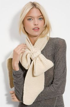 Bowed scarf. Love it.