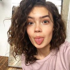 20 Stylish Curly Short Hairstyles For 2018 Summer , Having short curly hair is already something requires little maintenance. Therefore, you do no need to spend lots of times for your hair. Nonetheless,… , Curly Hairstyles Source by namedclem Short Curly Hair, Curly Girl, Curly Hair Styles, Natural Hair Styles, Shoulder Length Curly Hair, Medium Curly, Hair Medium, Medium Long, Natural Beauty