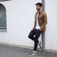 Birthday post 🎉☺ Hope you'll enjoy the day as much as I do 👍 Would you wear this one? Tap for more details about this look 👇 Style Simple, Style Casual, Casual Outfits, Adidas Gazelle Outfit, Adidas Outfit, Style Hipster, Hipster Jeans, Mens Fashion Sweaters, Mens Fashion Suits