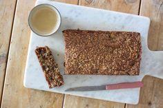 Vandaag deel ik een recept met jullie. Het is niet alleen een gemakkelijk en lekker recept. Het is ook nog eens glutenvrij. Havermout appelcake.