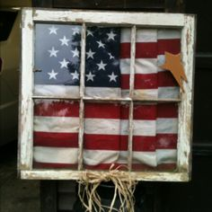 Window frame with American flag. Andie, why have you not done this with your window frame? Patriotic Crafts, Patriotic Decorations, July Crafts, Americana Crafts, County Fair Decorations, Outdoor Decorations, Primitive Crafts, Old Window Frames, Window Art