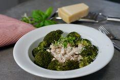 Pasta carbonara – Berit Nordstrand Pasta Carbonara, Broccoli, Vegetables, Food, Protein, Noodles, Essen, Vegetable Recipes, Meals