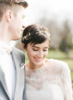 20 super pretty styles for short haired brides! #weddinghairstyles