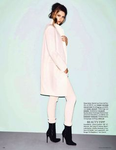 carte blanche: frida gustavsson by hasse nielsen for vogue germany december 2013 Uni Fashion, Minimal Fashion, White Fashion, Runway Fashion, Womens Fashion, Fashion Trends, Long White Coat, Black White, Frida Gustavsson