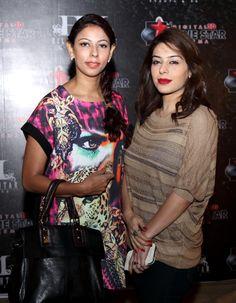 #pakistanimovies #lollywood #pakistanishowbiz http://www.fashioncentral.pk/people-parties/celebrity-gossip/story-1599-waar-pakistani-film-industrys-1st-block-buster/