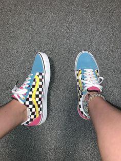 wallpaper vans old skool / wallpaper vans Converse Sneaker, Puma Sneaker, Sneaker Outfits, Sneakers Mode, Cute Sneakers, Vans Sneakers, Colorful Sneakers, Jordan Sneakers, Colorful Shoes