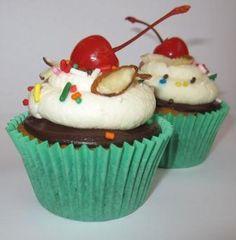 Hot Fudge Sundae Cupcakes Sundae Cupcakes, Ice Cream Cupcakes, Joy The Baker, Hot Fudge, Eat Dessert First, Cup Cakes, Cookies Et Biscuits, Sweet Treats, Sugar