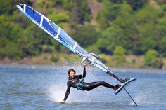 Learn the basic techniques of foil windsurfing. Start planing effortlessly and flying above water. Master the art of foiling on a windsurfer.
