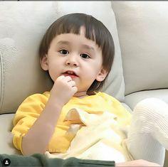 Bentley Wallpaper, Cute Kids, Superman, Korean, Kpop, Bebe, Korean Language, Cute Babies