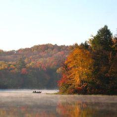 Fall foliage at Keen Lake, Pennsylvania