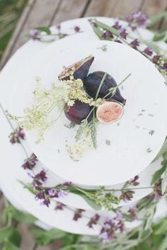 Fig and herb topped wedding #cake. Photography by parkroadphotography.com  Read more - http://www.stylemepretty.com/2013/09/26/herb-infused-inspiration-from-alisa-lewis-event-design-and-park-road-photography/