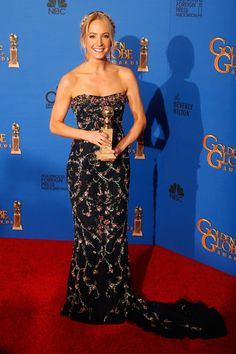 Pin for Later: Golden Globes 2015: Tous les Looks de la Soirée Joanne Froggatt