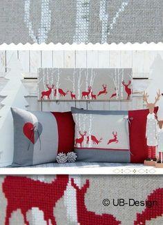 Kissen Rentiere Weihnachten Rot Weiß Kreuzstich / Pillow Reindeers Christmas Red White Cross Stitching