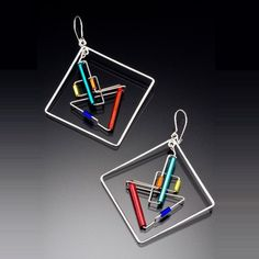 Unique jewelry that combines color, balance, geometry, and clean lines to create a light and contemporary look.