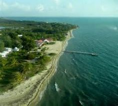 Placencia beach and pier – It is much more expensive in Placencia nowadays. If you succeed in finding something that is under US $300,000, you are lucky, but I doubt you will. The prices are higher now.