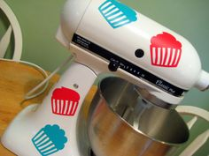 Vinyl decal for kitchen mixer, so need to do this for my Pink Kitchen Aid!!