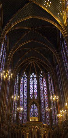 ガラス箱のような聖なる礼拝堂 ~パリ 夏旅~