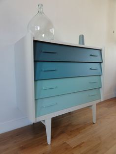 Dream Beach Houses, Painted Furniture, Furniture Ideas, Makeup Rooms, Fashion Painting, Chest Of Drawers, Console Table, End Tables, Dresser