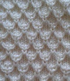 Ravelry: Mock Honeycomb Gloves pattern by Rahymah anleitung stricken Mock Honeycomb Gloves Knitting Stiches, Knitting Charts, Baby Knitting Patterns, Lace Knitting, Crochet Stitches, Knitting Needles, Hat Patterns, Crochet Gloves Pattern, Knit Stitches