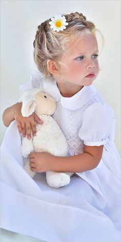 Children's outdoor photography, adorable photo of little girl with stuffed toy - the innocence Precious Children, Beautiful Children, Beautiful Babies, Girls Designer Dresses, Girls Dresses, Flower Girl Dresses, Little People, Little Girls, Little Girl Photos