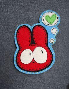 Meia Lua Felt Crafts, Crafts To Make, Arts And Crafts, Felt Diy, Handmade Felt, Diy Quiet Books, Felt Purse, Angel Crafts, Felt Brooch