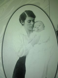 Edith Tolkien with son Edith Tolkien, Jrr Tolkien, Tolkien Quotes, Balrog, Luthien, Family Album, Photo Black, Middle Earth, Lord Of The Rings