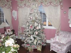 I'm pretty sure Dez would love a Christmas tree in her room... maybe when she's older we can start making shabby chic ornaments