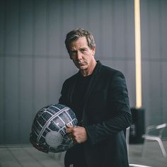 Ben Mendelsohn is Director Orson Krennic in #RogueOne: A Star Wars Story. #SWCE