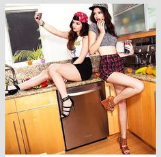 Kendall and Kylie Jenner to Launch Shoe and Handbag Line for Steve Madden Kendall Jenner Instagram, Kendall Y Kylie Jenner, Kardashian Jenner, Kardashian Fashion, Kardashian Family, Kardashian Kollection, Steve Madden, Jenner Photos, Jenner Girls