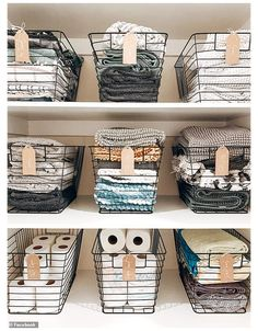 Linen Closet Organization, Home Organization Hacks, Bathroom Organization, Laundry Basket Organization, Organisation Ideas, Wire Basket Storage, Wire Baskets, Baskets For Storage, Wire Basket Decor