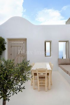 cycladic minimal sitting area