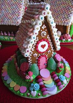 such a beautiful little ginger bread house
