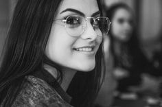 @Kimberlym3071 Camila Mendes Veronica Lodge, Camilla Mendes, Girl Crushes, Lili Reinhart, Betty Cooper, Riverdale Cast, Divas, Aesthetic Photo, Stranger Things