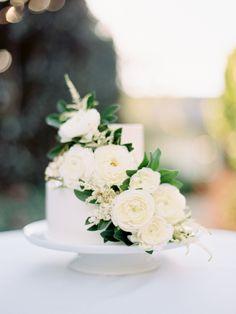 Photography : Ashley Kelemen | Floral Design : Sweet Marie Designs Read More on SMP: http://www.stylemepretty.com/2015/02/16/elegant-fall-san-ysidro-wedding/