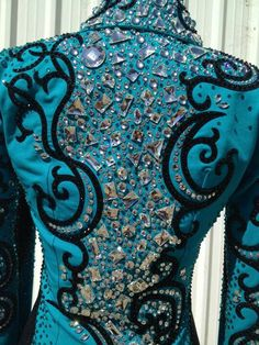 This teal is just beautiful.like the pattern too. Horse show clothes aren't what they used to be.looks more like Hollywood stuff! Western Show Shirts, Western Show Clothes, Horse Show Clothes, Horse Clothing, Rodeo Shirts, Riding Clothes, Rodeo Outfits, Equestrian Outfits, Equestrian Style