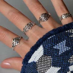 Celtic Ring sterling silver ring celtic knot ring by NodusJewelry Celtic Knot Jewelry, Celtic Knot Ring, Celtic Rings, Irish Jewelry, Celtic Wedding Rings, Jewelry Knots, Jewelry Rings, Jewlery, Anel Tutorial