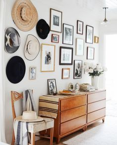 The First Rule of Home Design Is Exemplified by This Gallery Wall | Hunker