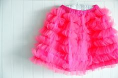 another ADORABLE tulle skirt!! (I love these ladies at Simple Simon & Co.!  Their girls' stuff is great!)