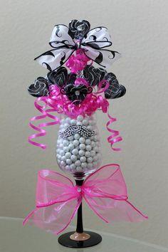 Bouquet Cadeau, Gift Bouquet, My Funny Valentine, Valentines Diy, Walmart Valentines, Valentine's Day Quotes, Candy Bar Bouquet, Chocolate Flowers Bouquet, Valentines Bricolage
